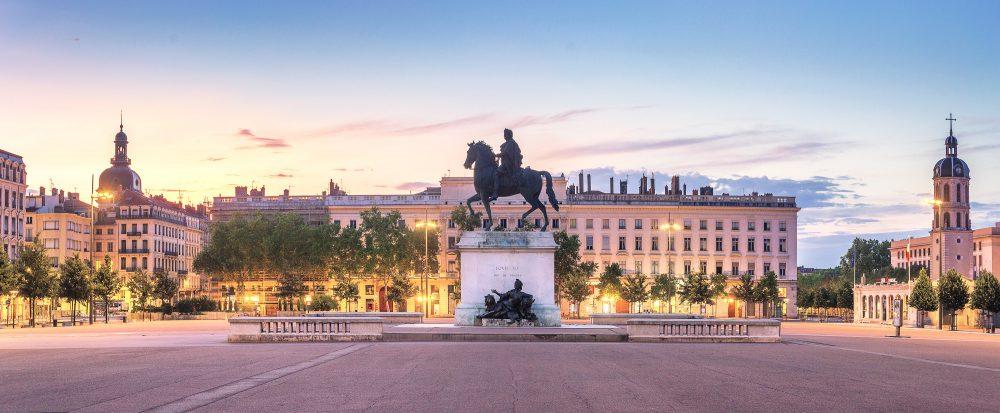 Улицы и площади Лиона: Place Bellecour