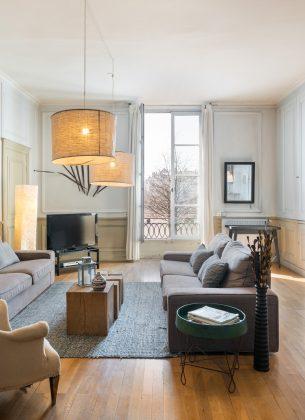 Salon, spacieux et charmant, style vintage.